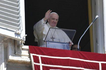 Papa Francisco sigue orando por Colombia
